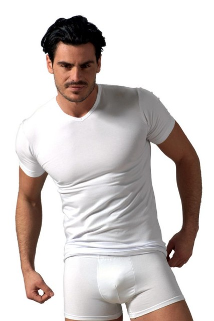 Λευκή μπλούζα με V λαιμόκοψη